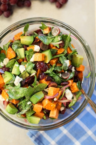 roasted_sweet_potato_salad_with_spinach_and_grapes_hero